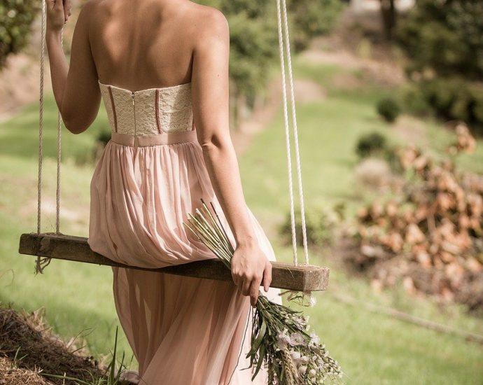 Oferta sukienek dostępnych online